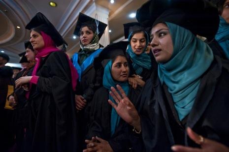 muslim-women-graduation